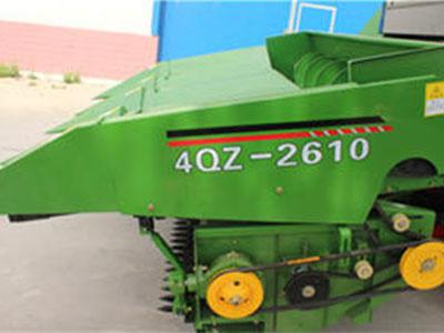 自走式玉米收割机