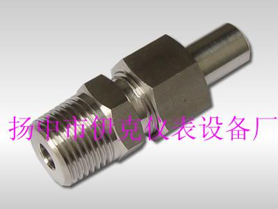 对焊接式螺纹管接头