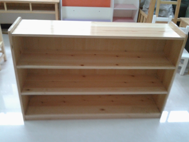 内蒙幼儿园实木玩具柜