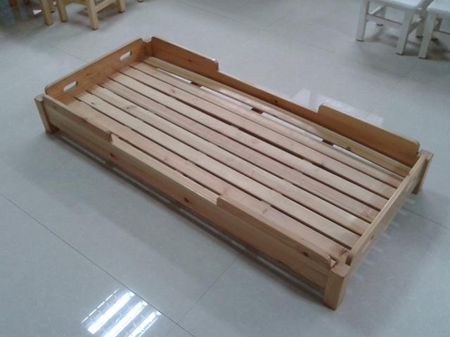 幼儿园叠落床
