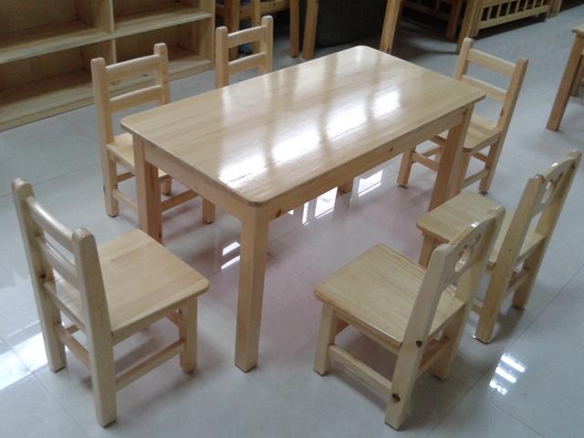 北京幼儿园实木课桌椅