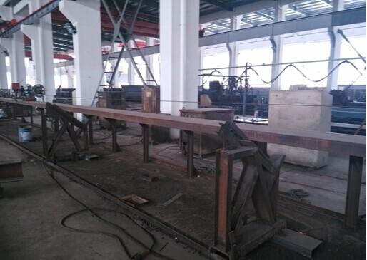 自 动 埋 弧 焊 机