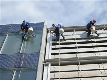 鄭州高空玻璃幕墻清洗