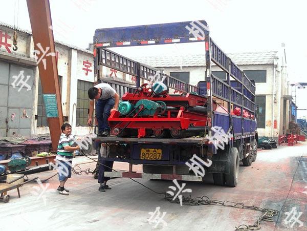 郑州混凝土路面摊铺机