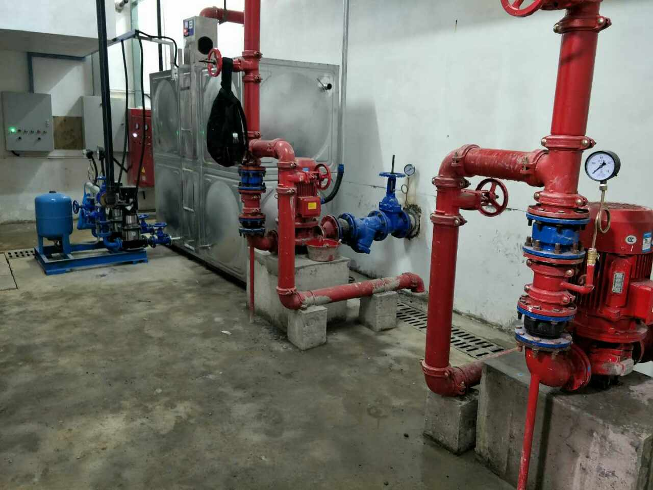 广西武昌爱家小学消防泵和排污泵