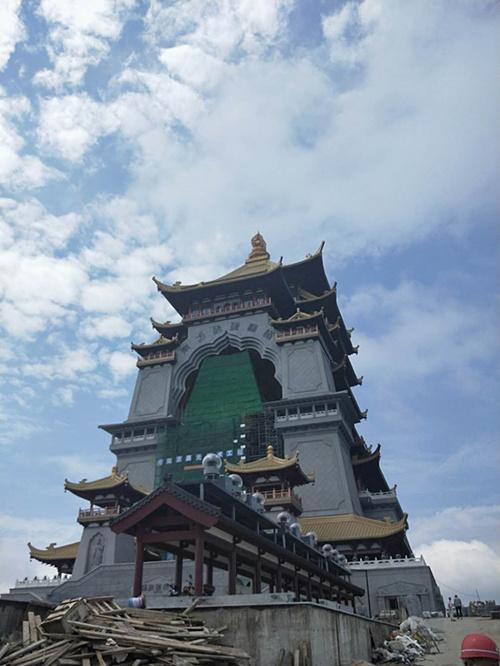 广西 黄石东方山琉璃佛塔