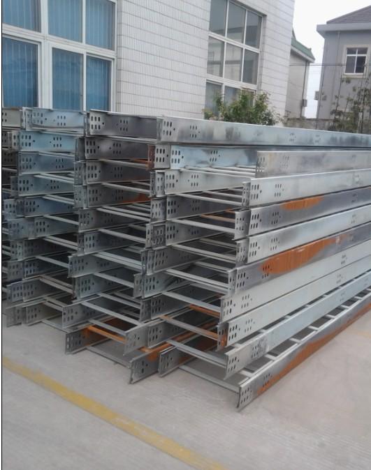 鋼制電纜橋架梯級式