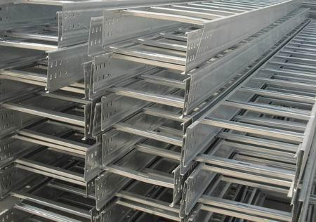 梯級式熱鍍鋅橋架