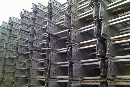 梯级式铝合金桥架100*300