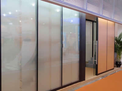 石家庄玻璃隔断安装