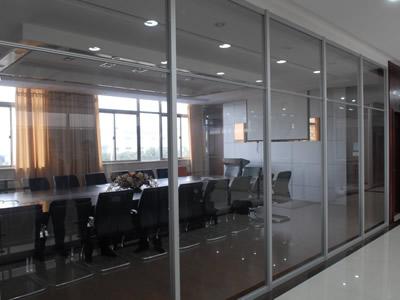 石家庄玻璃隔断厂家玻璃隔断梦想无界 办公玻璃隔断可以提高员工办公效率