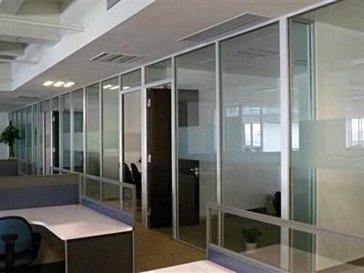 石家庄玻璃隔断厂家合理安装玻璃隔断彰显档次 玻璃隔断如何更好的安装