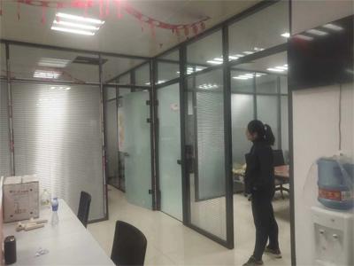 百叶玻璃隔断安装