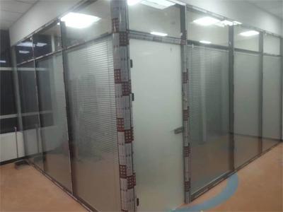 百叶玻璃隔断施工