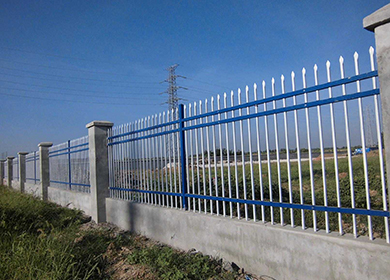 云南昆明锌钢护栏网
