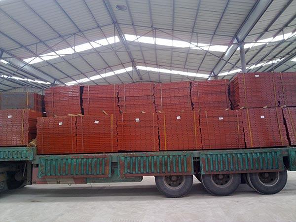 钢模板生产