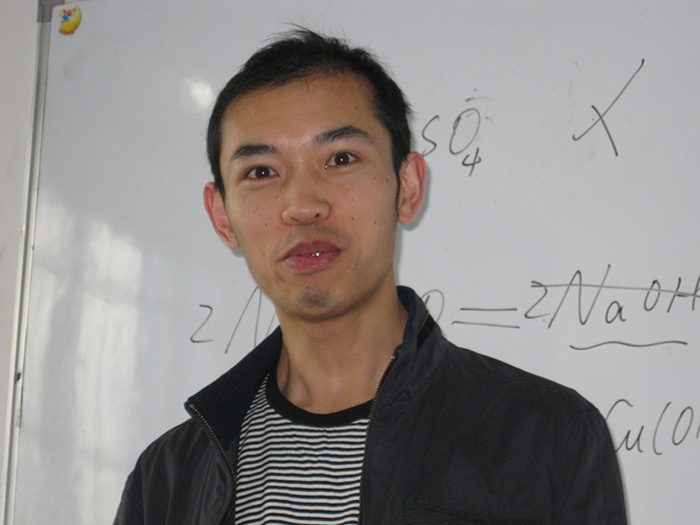 安顺物理名师-廖老师