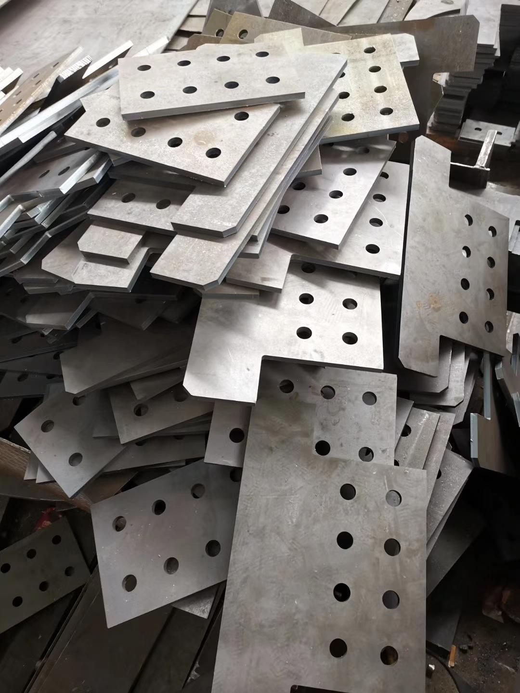 钢结构配仉���埋板