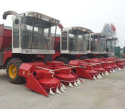 自走式玉米收获机