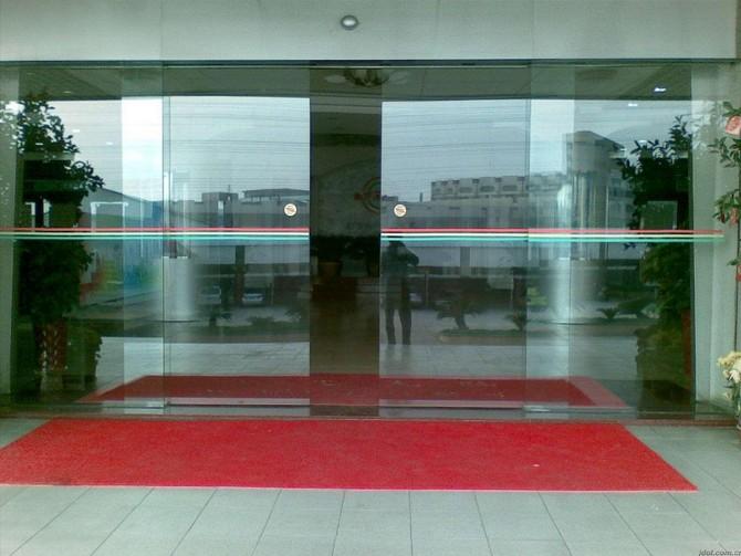 武汉感应门自动感应门的基本工作原理 钢化玻璃的处理方法与原理有哪些?