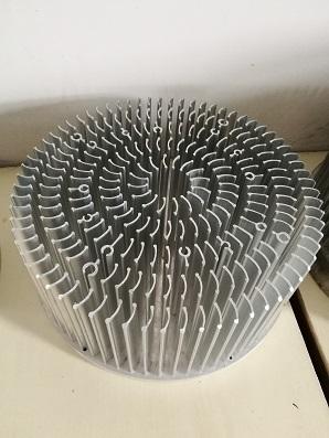 工矿灯散热器