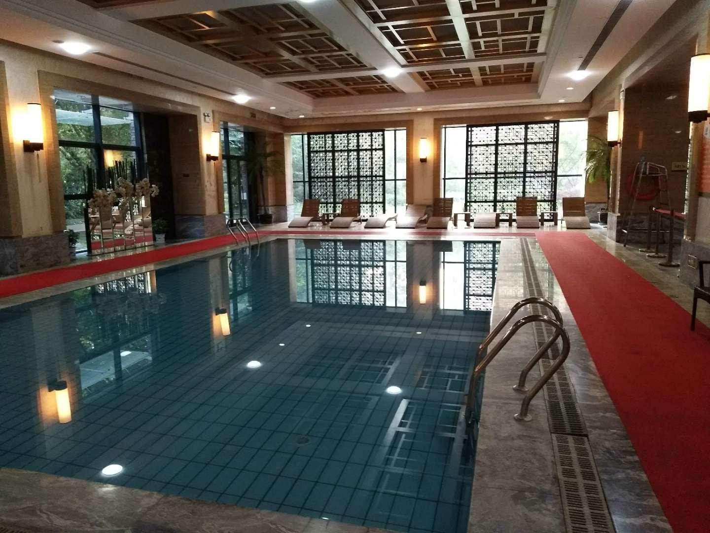 复地东湖国际恒温游泳池