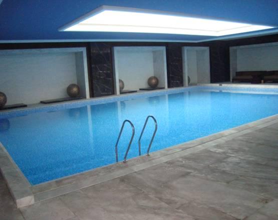 万科君澜酒店恒温泳池