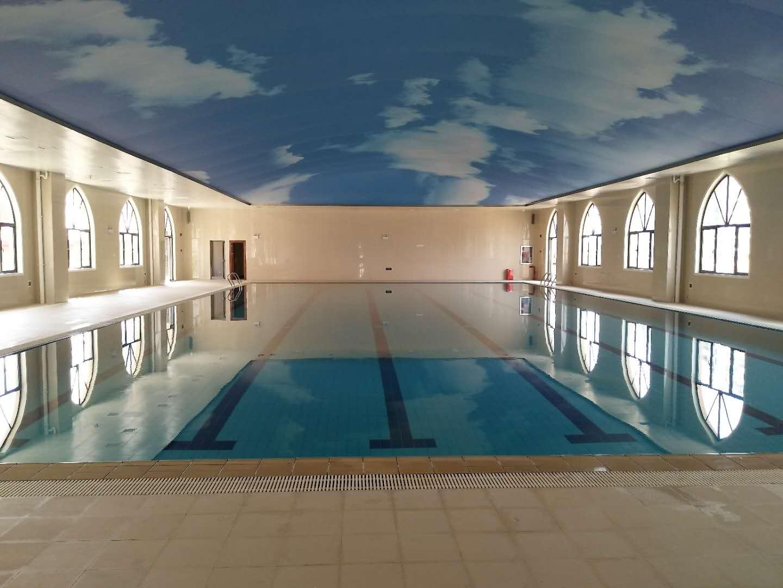武汉澳新学校恒温成人泳池