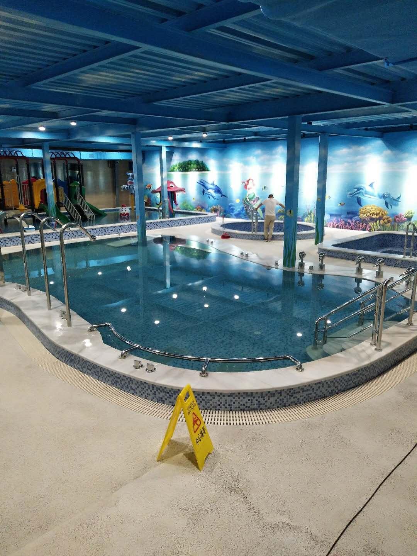 襄阳旱鸭子水上运动馆恒温按摩池及泡池