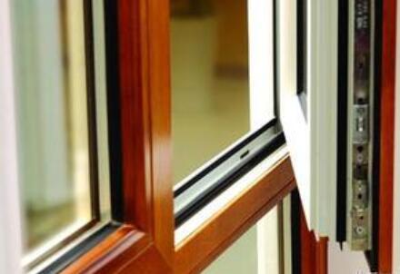 贵州铝木复合门窗安装