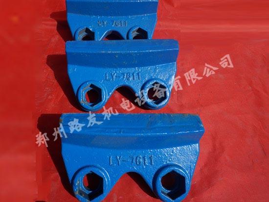 新疆制砂机耐磨块规格