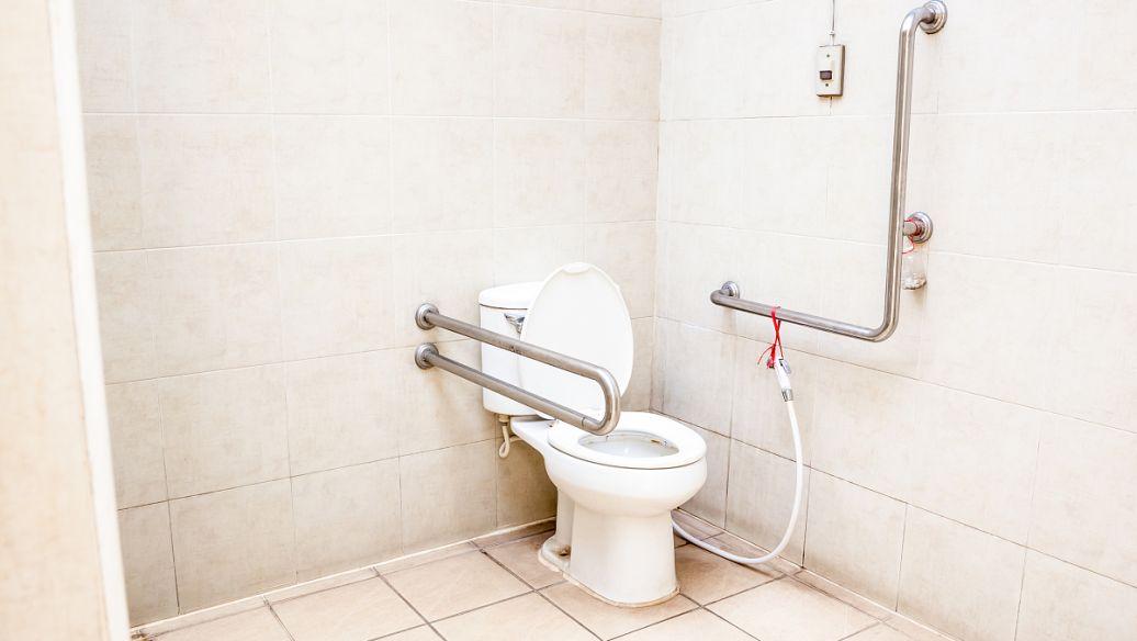 卫生间渗水怎么处理