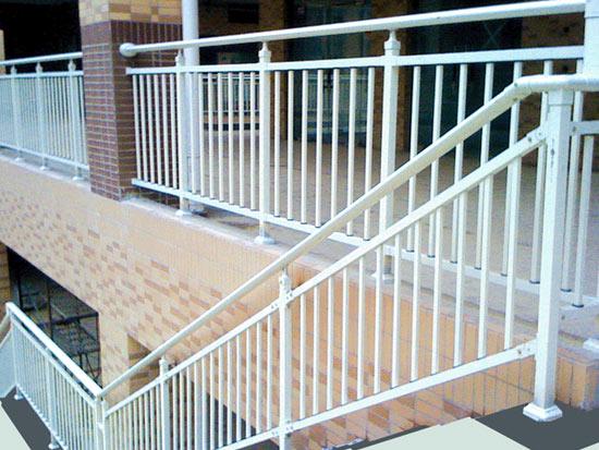 【汇总】郑州护栏的安装方法 栏杆都有哪些种类