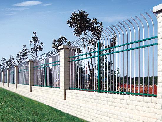 【较全】铁艺围栏的选购注意事项 郑州阳台栏杆的设计标准