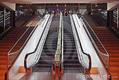 四川安装自动扶梯