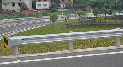 公路波形护栏安装