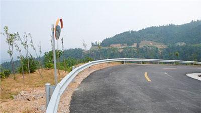 贵州公路波形护栏安装