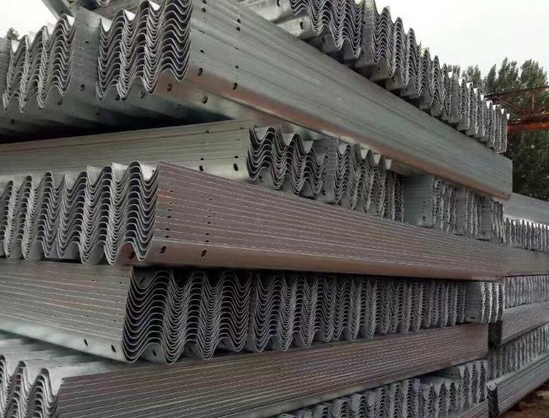 贵州镀锌护栏板