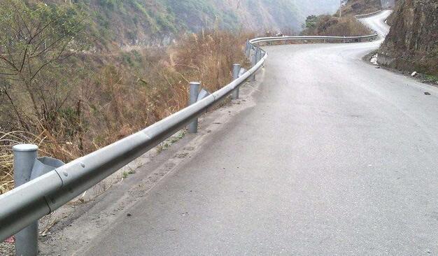 云南高速公路护栏