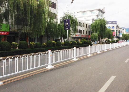 昆明道路护栏