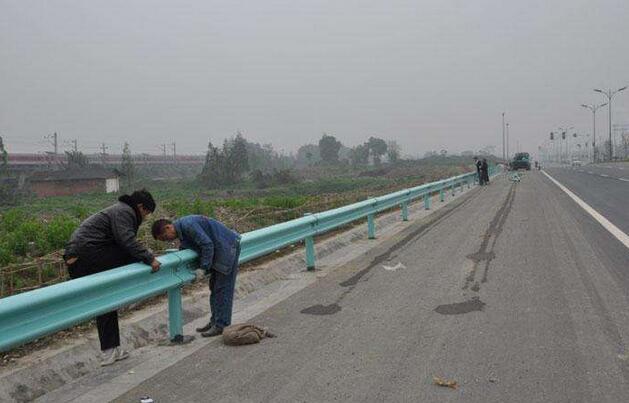 云南公路波形护栏