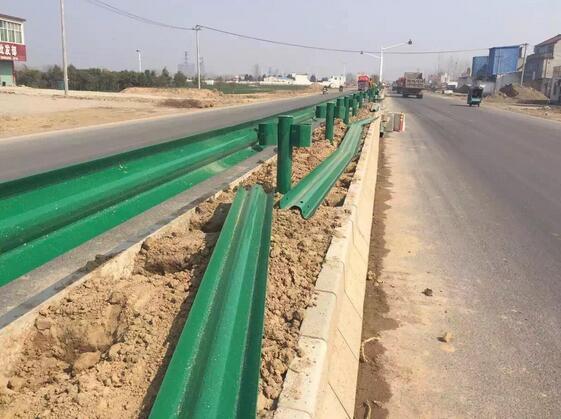 昆明公路波形护栏