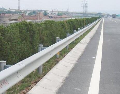 云南公路护栏
