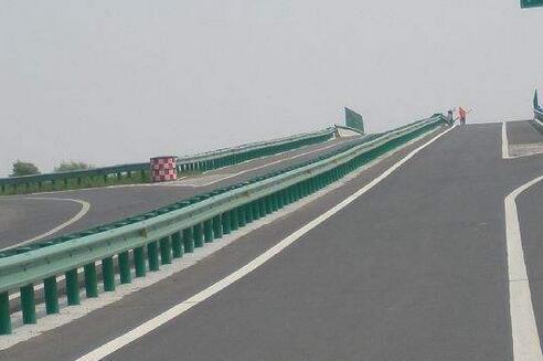 南宁高速公路护栏