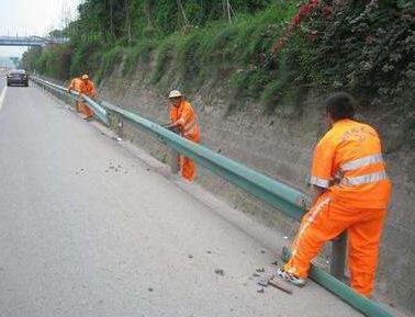 广西波形护栏安装