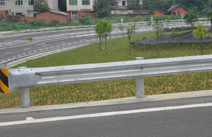 湖南波形护栏
