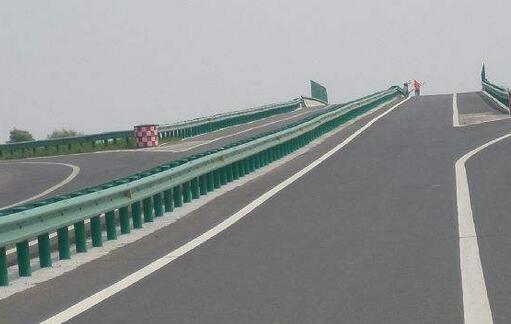 湖南高速公路护栏