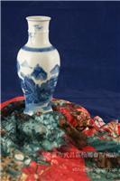 手繪50件青花山水瓶