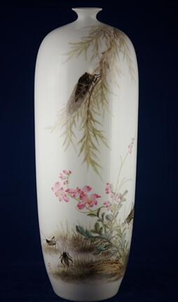 手繪150件粉彩蟬瓶(有收藏證書)
