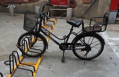 卡位自行车停放架